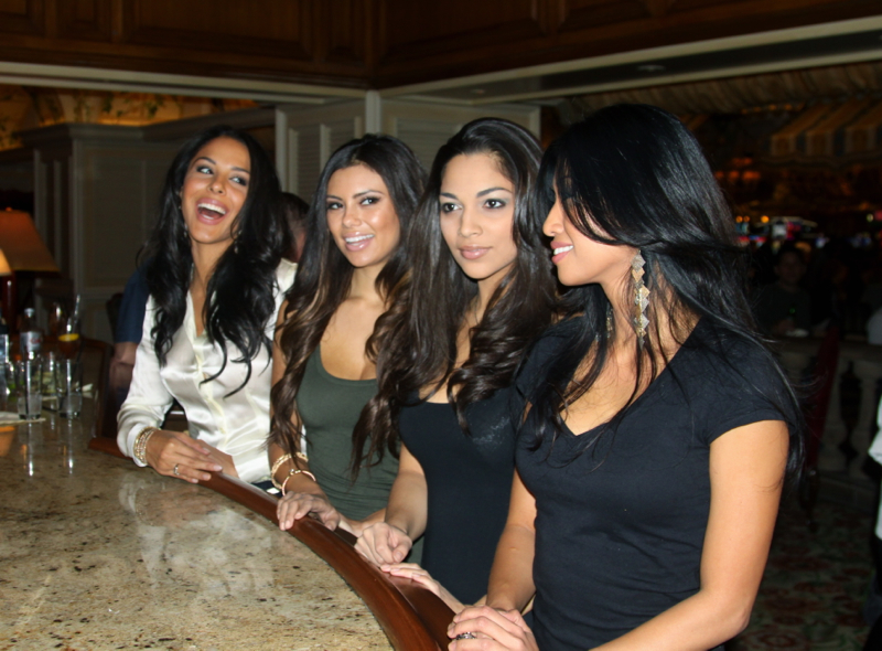 royal-flush-girls-mixology-12